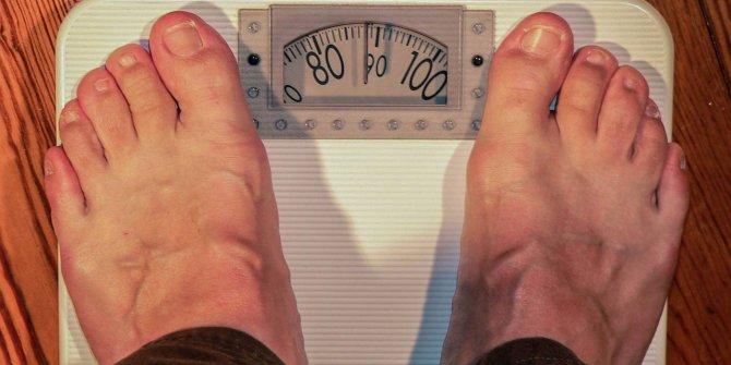 fazla kilo beyni yaslandırıyor