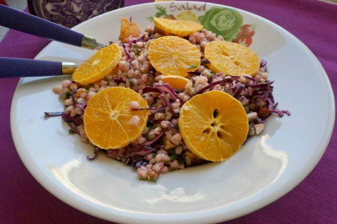 Hem Hafif Hem Doyurucu: Portakallı Buğday Salatası Tarifi
