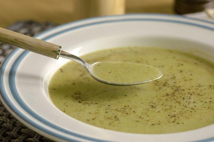 Kaselerin Yeni Çocuğu: Brokoli Çorbası Tarifi