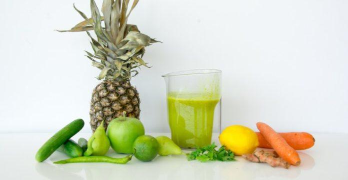 Ananas ve Kereviz Suyu