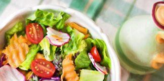 Naneli Diyet Akdeniz Salatası tarifi