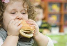 cocuk-yasta-obez-olanlarda-bu-hastalik-riski-artiyor
